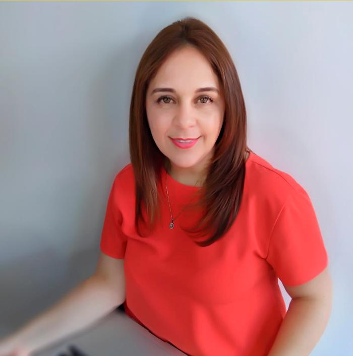 Autora libro Patricia Valencia-Secretos en un Asilo de Ancianos